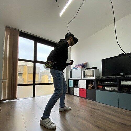 Oculus Link in azione con visore in realtà virtuale e Kiwi
